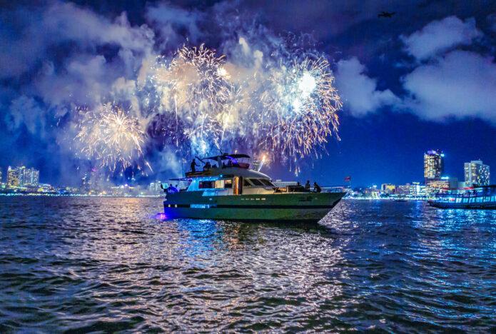 New Years Eve Luxury Yacht Tour